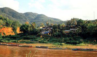 rivière Nam Ou dans la région de Mang Khua